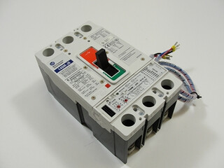 ALLEN BRADLEY 140M-J8 MOTOR PROTECTION CIRCUIT BREAKER USED, 140M-J8